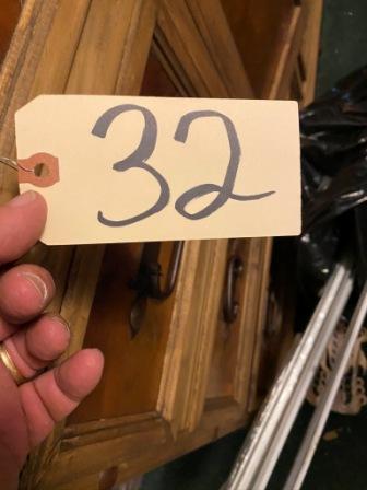 32 (1)