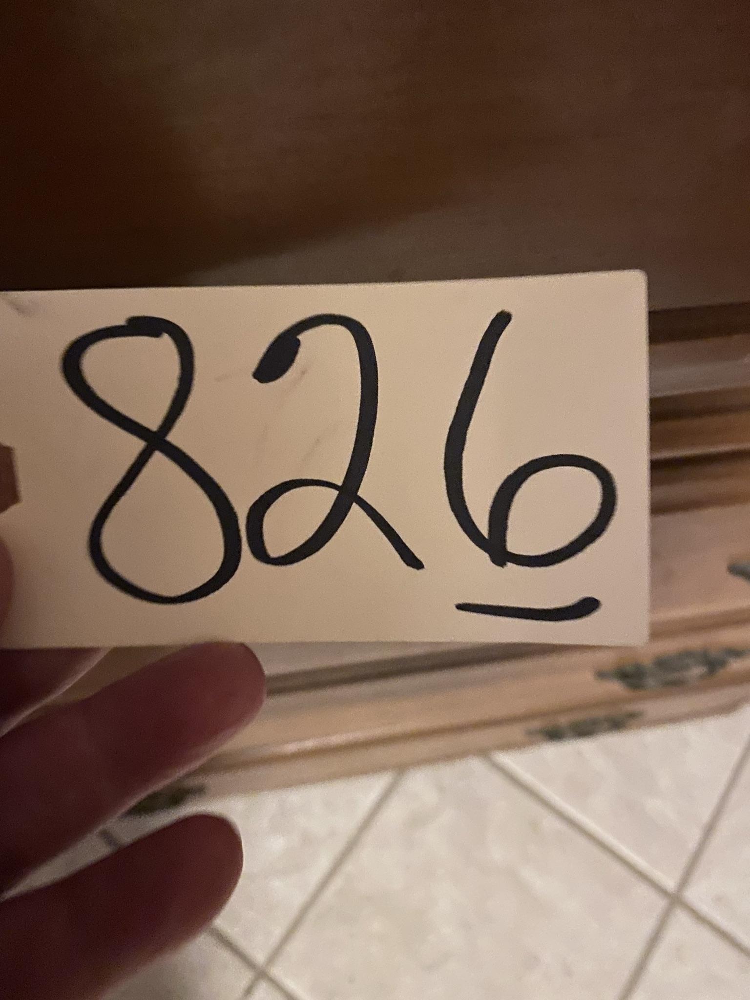 826 (1)