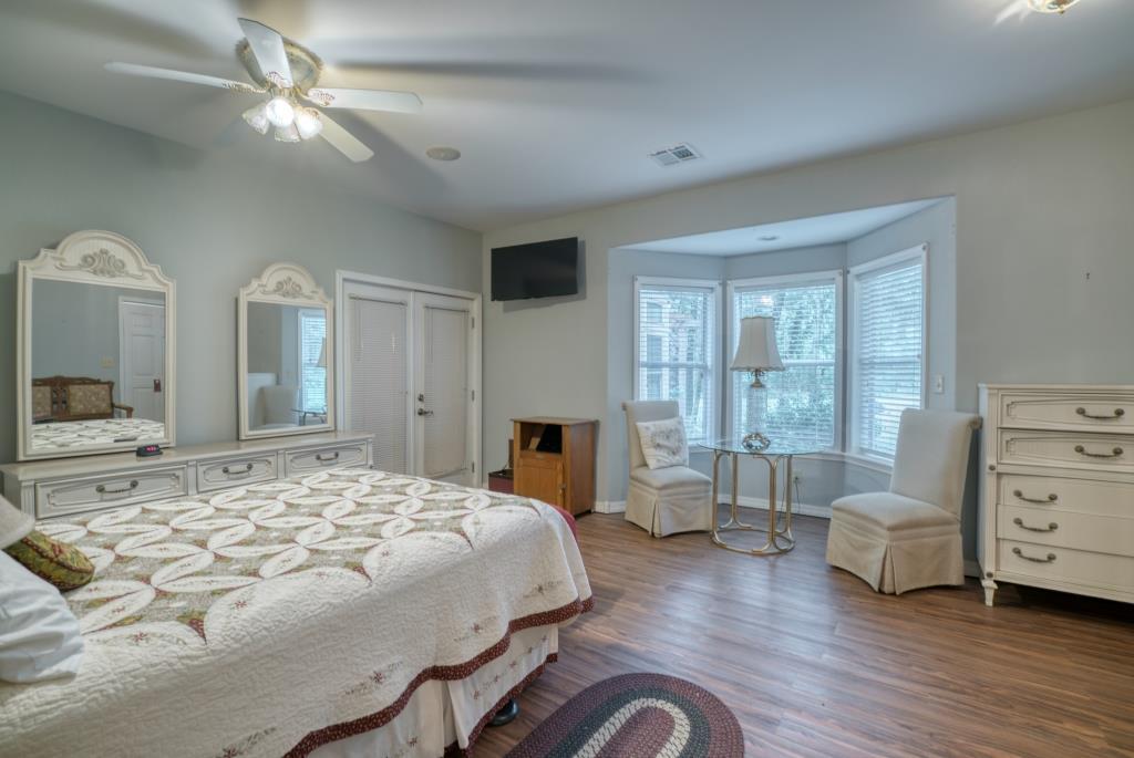 015_Bedroom Suite