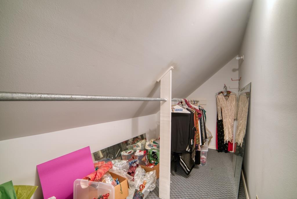 025_Upstairs Closet