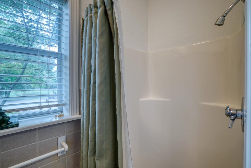 031_Bathroom Shower